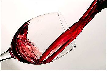 Wine-glass-pour