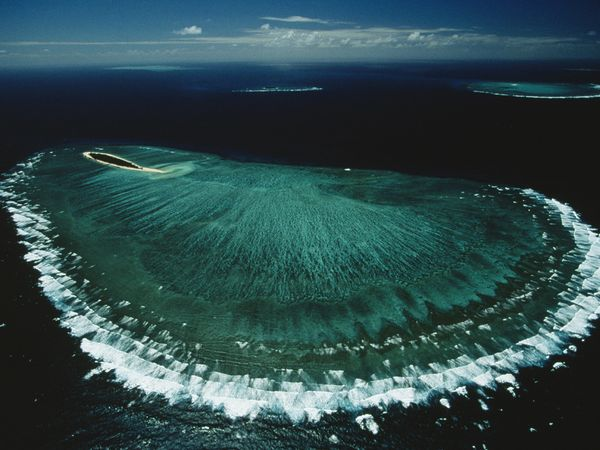 Earth-day01-great-barrier-reef_18803_600x450